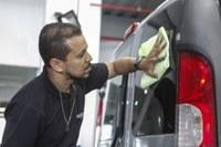 Legislação determina uso de água da chuva na lavagem de veículos
